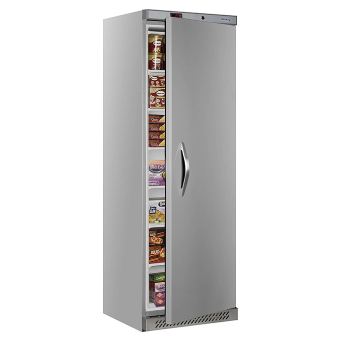 For kitchen and foodservice operators, the UR upright catering freezer range provides an effective solution for storing frozen food